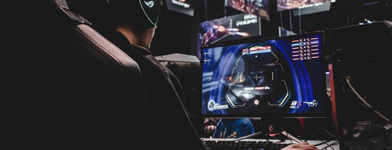 60Hz vs 144Hz Gaming Monitor